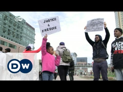 African-American support for Clinton waning | DW News