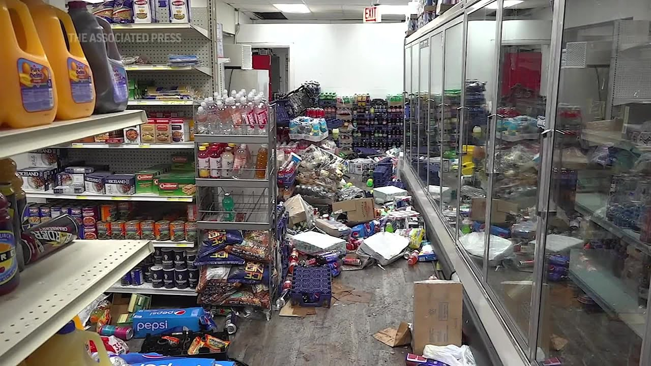 VIDEO: Chicago store 'African Food & Liquor' ransacked twice since