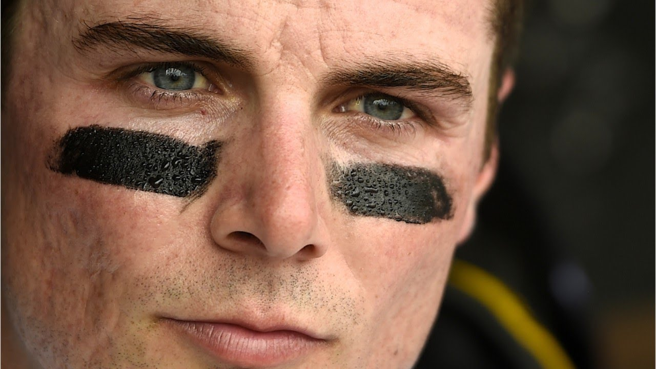 Why So Many Athletes Wear Black Marks Under Their Eyes