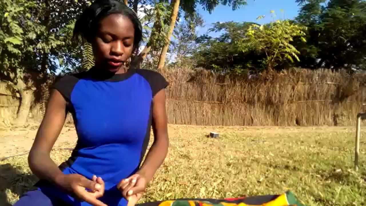 How to Eat Traditional African food (Fufu)