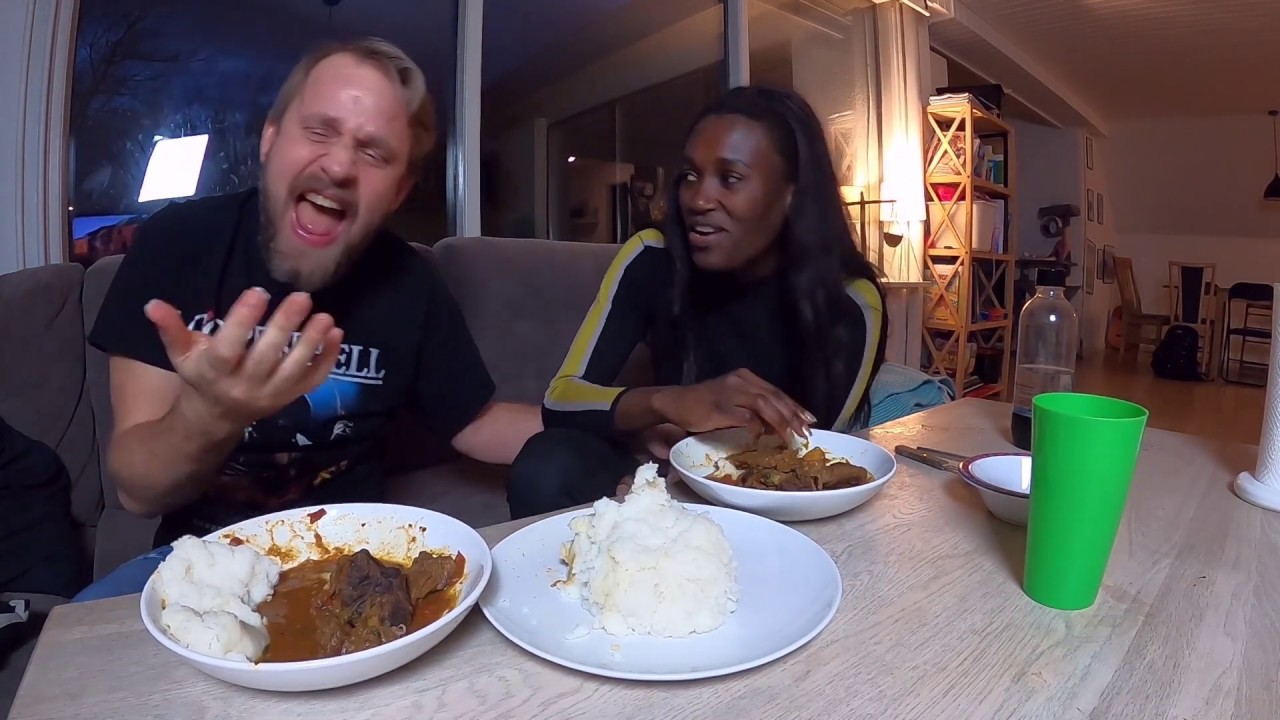 My white fiance makes me African food || fufu and