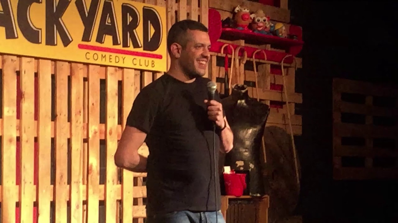 An Italian comedian in London – Francesco De Carlo (stand